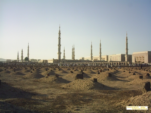 The cemetry of al-Baqi', modest and simple, according to the Sunnah and Sirah of the Ahl al-Bayt.