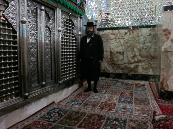 A shrine venerating Jew in Iran. Many Jews and Shias visit tombs together, particularly in the Iranian Khuzestan province (that borders southern Iraq) where many alleged shrines of Prophets of Bani Israel are located whom the Jews and Rafidah worship alike.