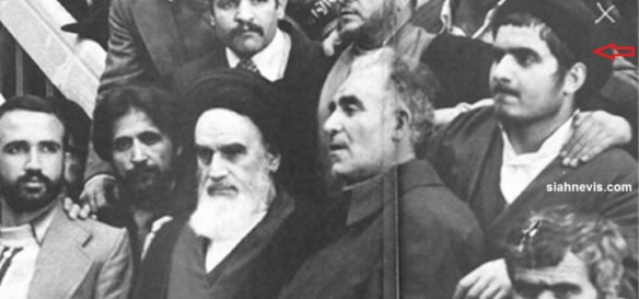That's Khomeini and the  Turbanised lad on the far right his Khomeini's grandson (Hussein Khomeini).